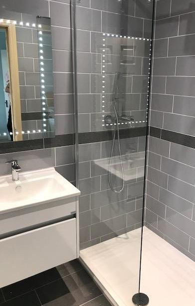 en suite walk in shower