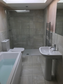 Modern bathroom image